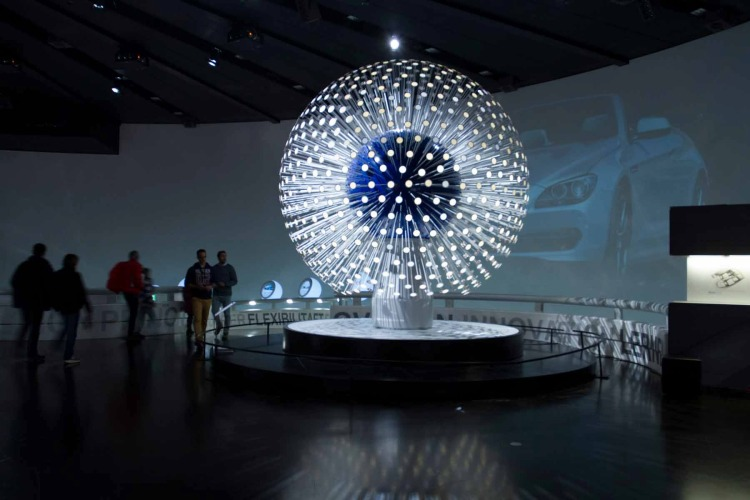 oled-installation-dandelion-in-the-bmw-museum